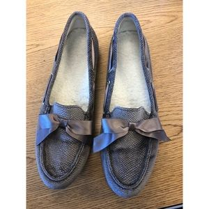 Vionic Alice Holiday Moccasins